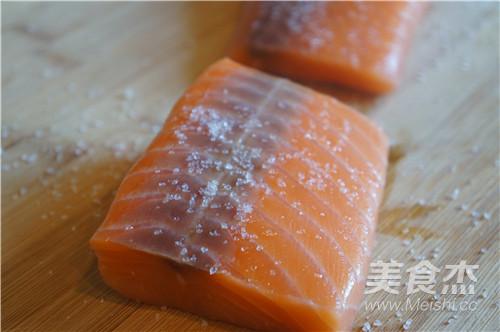 三文鱼茶泡饭的家常做法