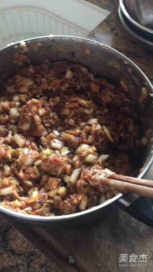 白菜香菇猪肉饺子的简单做法