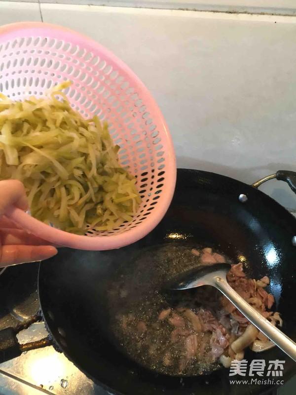 榨菜炒肉丝怎么做