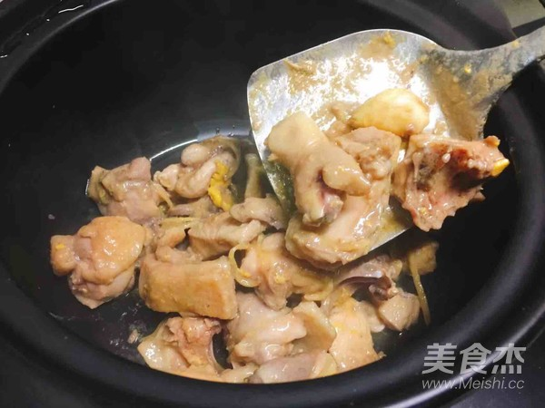 砂锅牛肝菌焖土鸡怎么吃