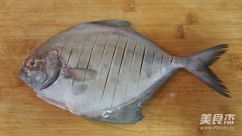 煎鱼不破皮的简单方法的做法大全
