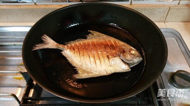 煎鱼不破皮的简单方法怎样煮