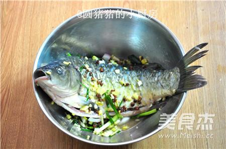 秘制香酥鲫鱼的简单做法