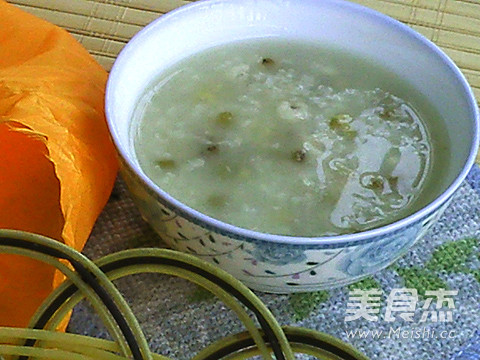 绿豆薏米粥的功效与作用图片