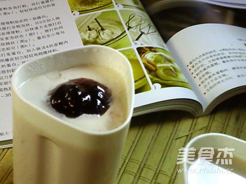 蓝莓酸奶成品图