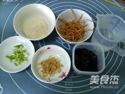 紫菜虾皮玉米粥的做法大全