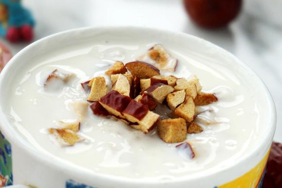 燕麦红枣酸奶成品图