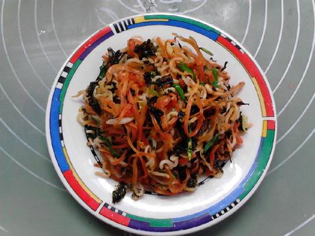 银鱼海苔胡萝卜炒方便面怎样煮