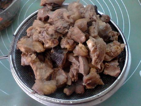 【团团圆圆】小鸡炖蘑菇的家常做法