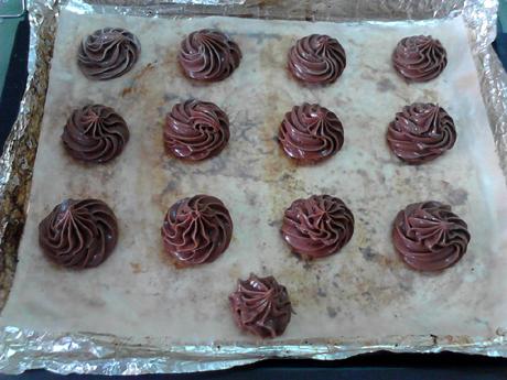 巧克力酥皮泡芙的制作