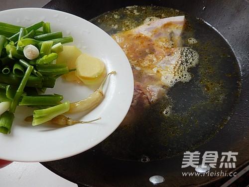 鱼头粉皮煲怎么吃