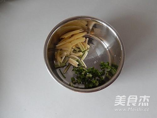 平菇豆腐鱼汤的家常做法