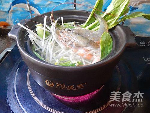鲜虾火腿泡面怎么做