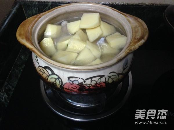 酸菜土豆排骨煲怎么做