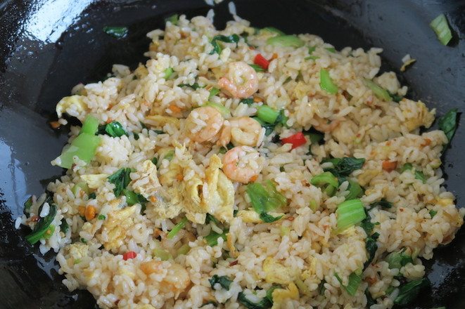 小白菜虾仁蛋炒饭怎样做