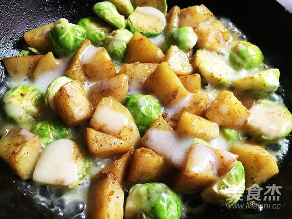 孢子甘蓝焗土豆的简单做法