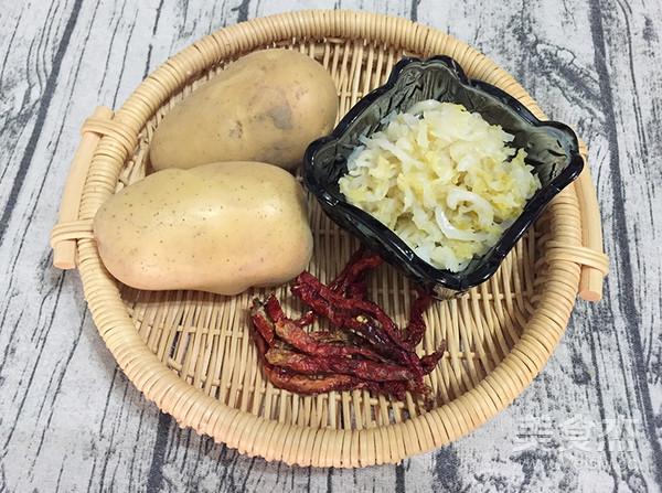 酸菜土豆片的步骤