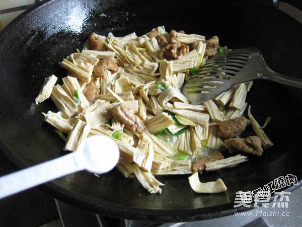 肉炒腐竹怎么炒