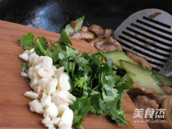 肉片炒鲜蘑的制作方法
