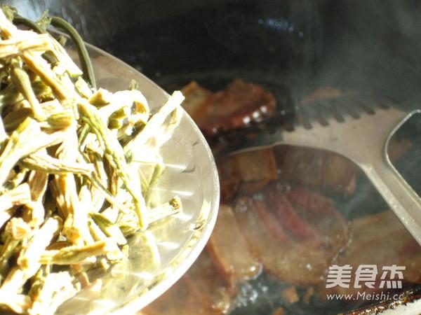 腊肉焖干豇豆怎么炒