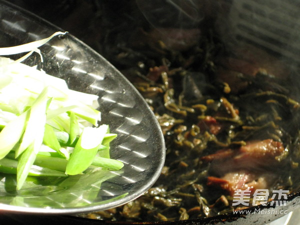腊肉焖干豇豆怎样做