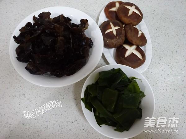 浓汤宝菌菇火锅的做法图解