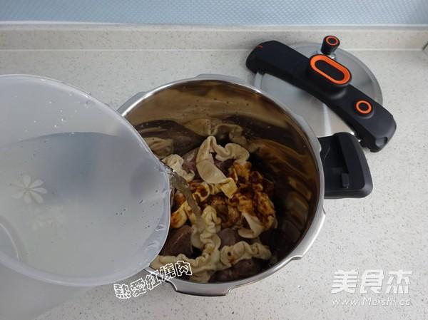 老北京卤煮火烧怎样做