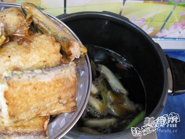 烙饼卷带鱼怎样做