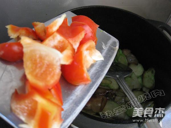 彩椒榨菜头炒腊肉怎么炒