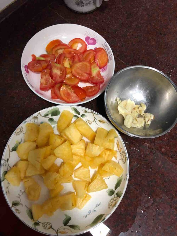 菠萝糖醋排骨的家常做法