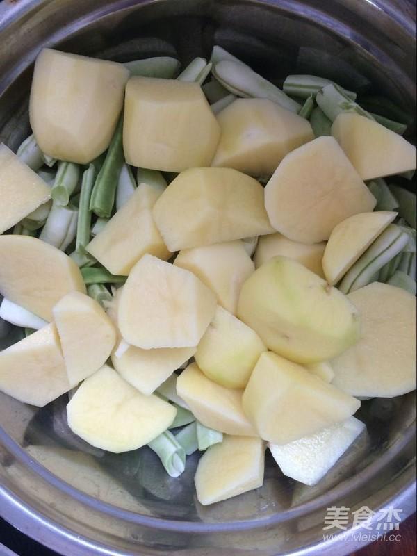 猪肉土豆炖芸豆的家常做法