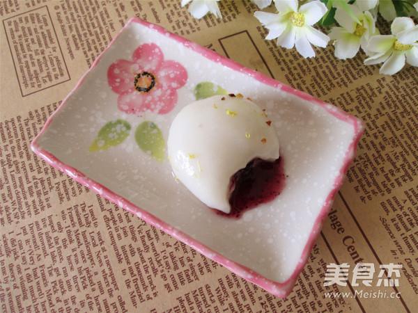 蓝莓果酱汤圆成品图
