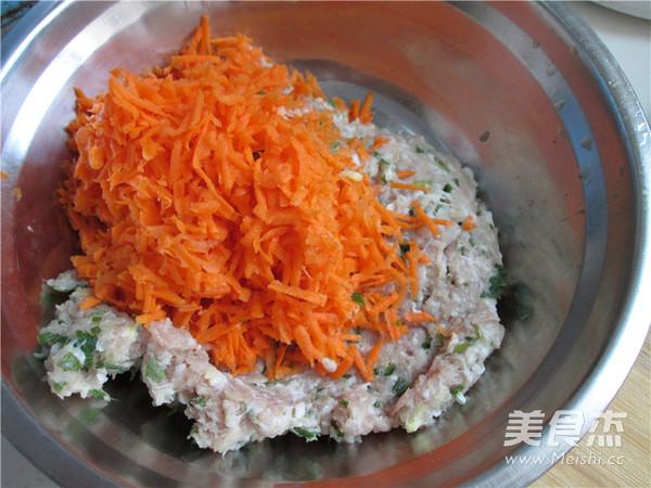 胡萝卜猪肉饼的家常做法
