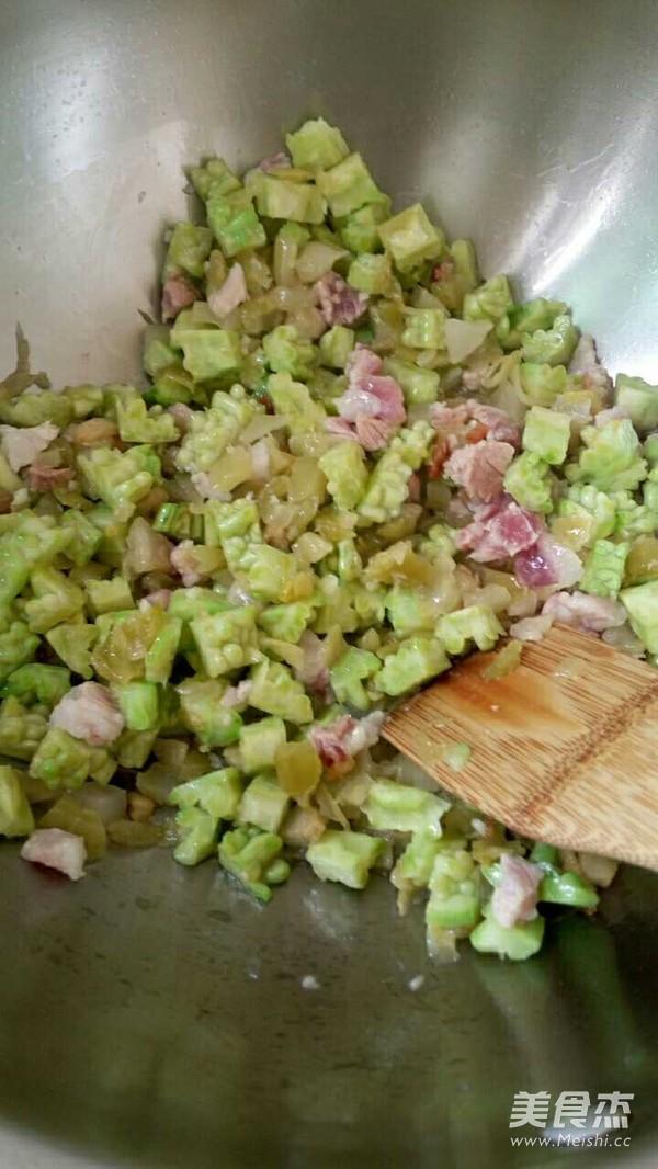 咸菜苦瓜饭的家常做法