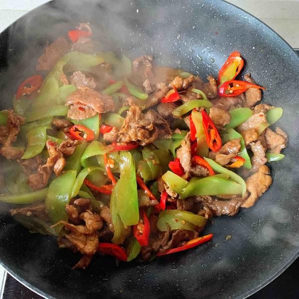 莴苣炒肉片-米饭杀手的步骤