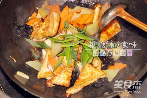五色杂疏家常豆腐怎么炒