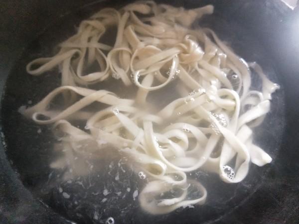 蒜香酸汤面(附扯面做法)的制作方法