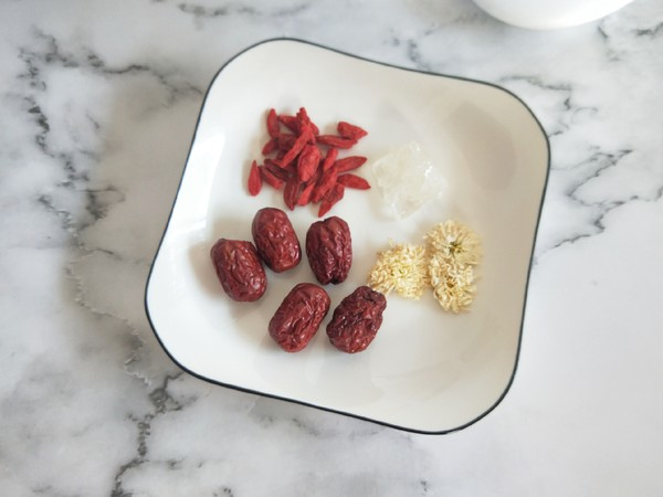 红枣枸杞菊花茶的做法大全