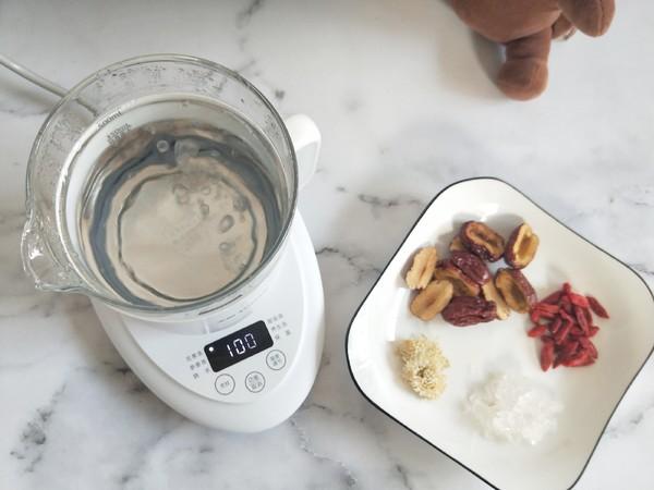 红枣枸杞菊花茶的家常做法
