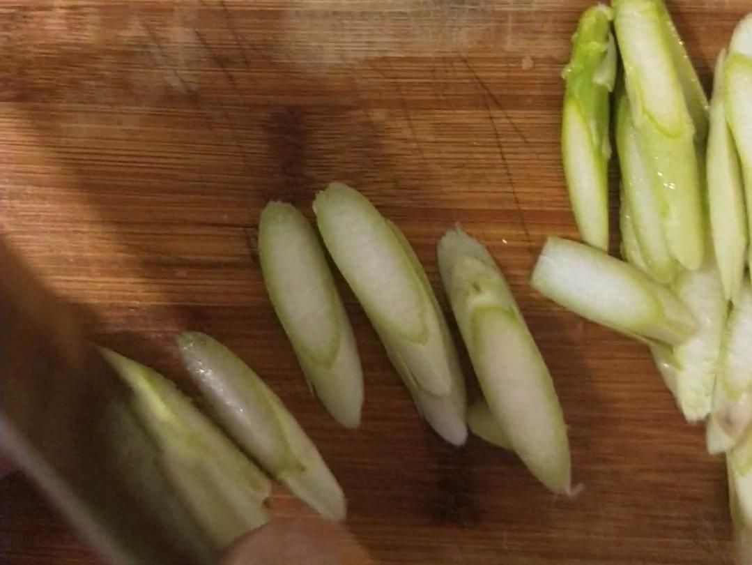 清炒芦笋的做法大全