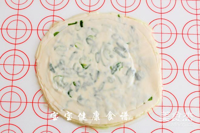 饺子皮葱油饼  宝宝健康食谱怎么做