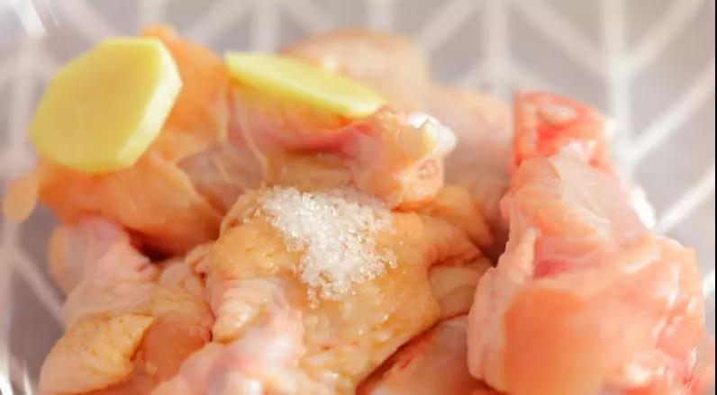 电饭锅酱香鸡翅  宝宝辅食食谱的做法图解