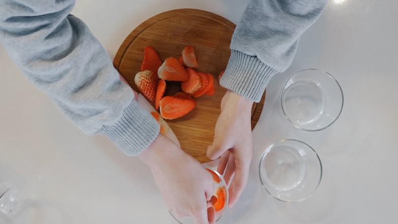 草莓提拉米苏【初味日记】的步骤