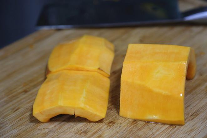 莲藕花生排骨鸡爪汤+酒酿南瓜+皮蛋豆腐的制作方法