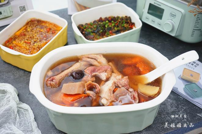 莲藕花生排骨鸡爪汤+酒酿南瓜+皮蛋豆腐的做法大全