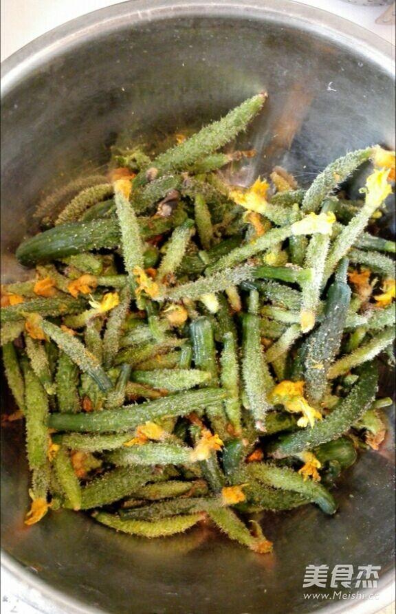自己腌制的虾油小黄瓜的做法大全