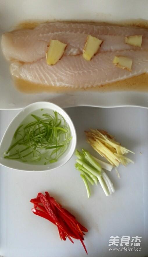 清蒸龙利鱼的简单做法
