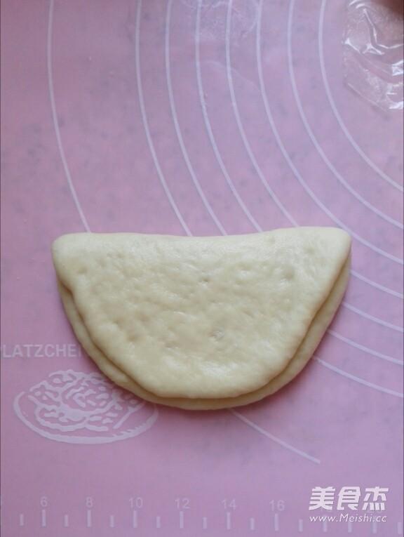 奶油蝴蝶结椰蓉面包怎么炖
