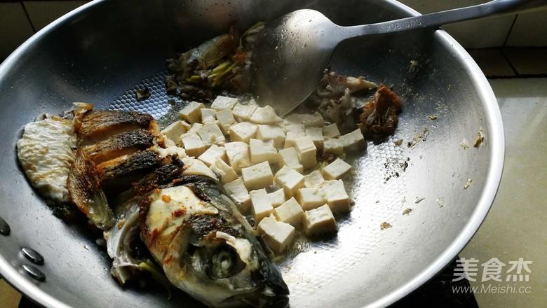香菇豆腐闷草鱼怎么吃