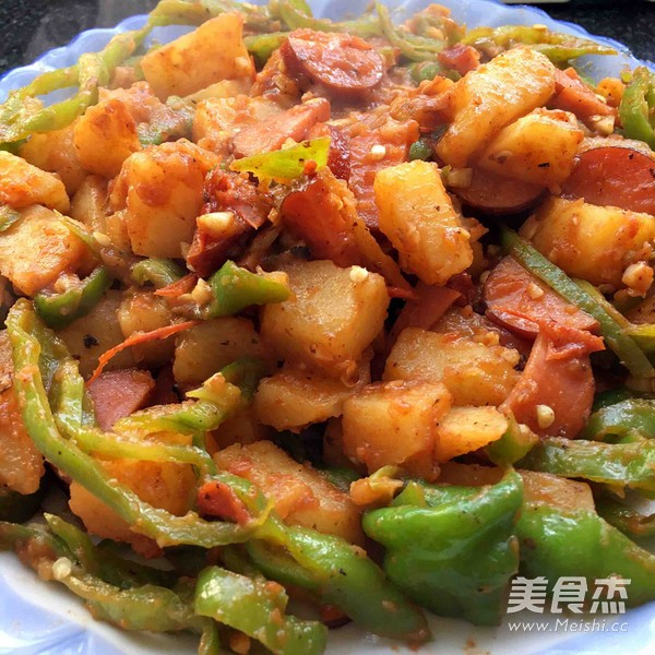 红烧土豆绘香肠的做法大全